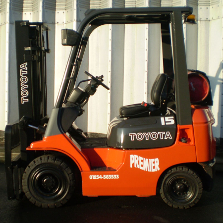 TOYOTA 7FGF18 L.P.GAS Fork Lift