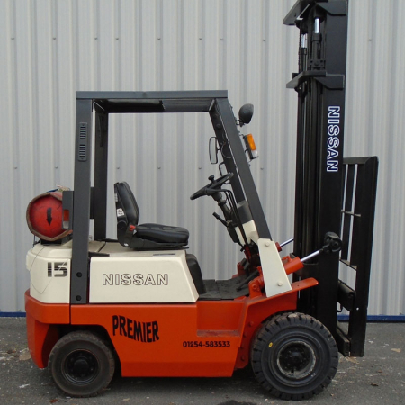 NISSAN NJ01A15 L.P.GAS Fork Lift