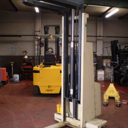 CROWN PED-OP 1.0EMT ELECTRIC Fork Lift