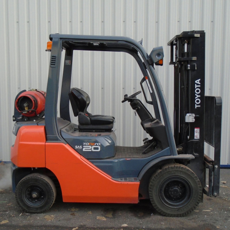 TOYOTA 8FGF20 L.P.GAS Fork Lift